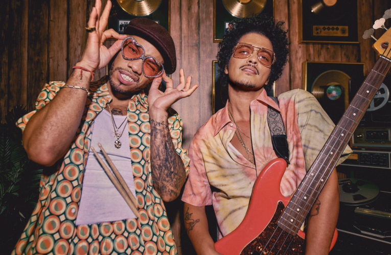 """Bruno Mars y Anderson .Paak lanzan su primer single """"Leave the Door Open"""""""